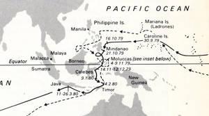 Den heldragna linjen med datum är Francis Drakes rutt, den streckade linjen är Magellans rutt 50 år tidigare.