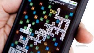 Spel ska liras mobilt, säger Tågspelaren. Och kopplar glatt sina spel till Facebook så att alla får njuta av hans framgångar.