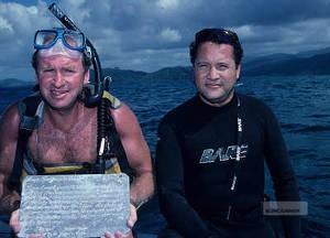 Michael Turner (t.v.) söker fortfarande efter Drakes kista. Bild hämtad från www.indrakeswake.co.uk