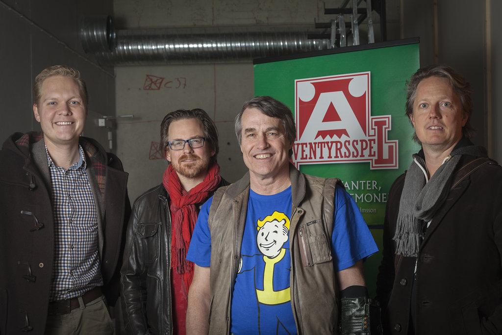 Erik Granström (konstruktör) med vänner och förläggare